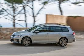 volkswagen vw vw golf gtd estate 2017 review by car magazine