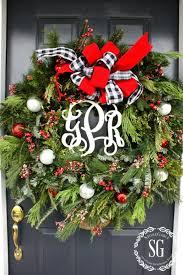 creative way use wreaths stonegable