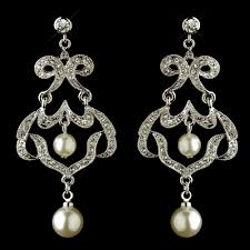 Vintage Pearl Chandelier Earrings 8 Chandelier Bridal Earrings Every Bride Will Love