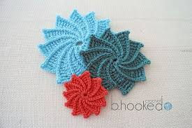 Tiny Flower Crochet Pattern - 12 pretty crochet flowers to brighten up your life