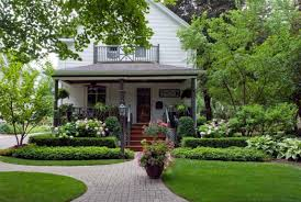 Home Design Front Gallery by Simple Landscaping Ideas For Front Of House Design And Decor
