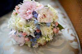 wedding flowers june the best time of year to get the best wedding flowers and it s