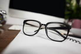 bureau gratuit up de lunettes de lecture sur le bureau bureau