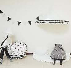 chambre photographie lit bébé filet indienne bébé tente maison coton blanc coin