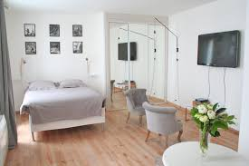 25 square meter vacation rental apartment for rent in the louvre area paris