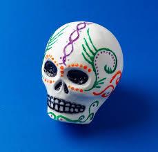 dia de los muertos sugar skulls sugar skulls for dia de los muertos crayola au