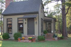 Backyard Guest Cottage by Backyard Guest House For Sale Backyard And Yard Design For Village