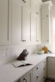 painted light grey kitchen cabinets cabinet color is benjamin edgecomb gray painted