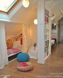 chambre enfant comble chambre enfant 31 idées de chambres sous les combles chambre