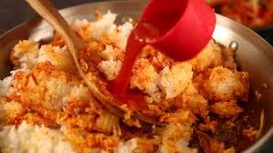 cara membuat pancake kimchi kimchi fried rice kimchi bokkeumbap recipe maangchi com