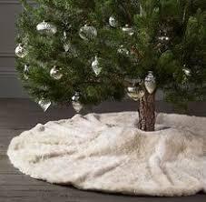 faux fur tree skirt diy no sew faux fur christmas tree skirt tree skirts christmas