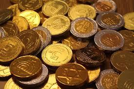 hanukkah chocolate coins hanukkah gelt chocolate coins with of david on back and