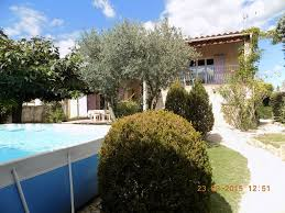 chambres d hotes st remy de provence villa de caractere avec jardin piscine entre st remy de provence et