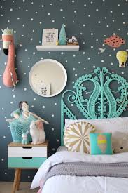 Interior Wallpaper Desings by Best 20 Girls Bedroom Wallpaper Ideas On Pinterest Little