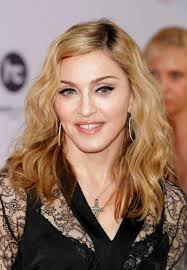 shoulder length hairstyle for women over 50 casual tousled waves
