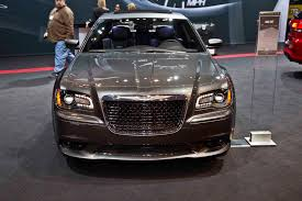 chrysler 300 srt report chrysler 300 srt could be discontinued photo gallery