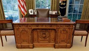 Oval Office Desk The Story Of The White House Potus Desk