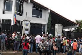 consolato colombiano colombianos acuden al consulado de san antonio en busca de