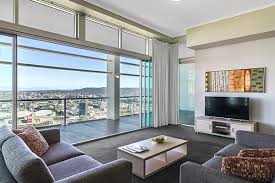 bedroom suites online melbourne home everydayentropy com 3 bedroom serviced apartments sydney city boatylicious org