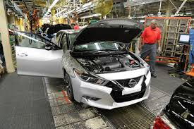 nissan maxima us news first 2016 nissan maxima rolls off us assembly line u2022 autotalk