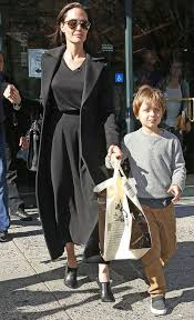 Barnes And Nobles Upper West Side Angelina Jolie Leaves An Upper West Side Barnes U0026 Noble With Son