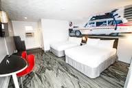 q-cf.bstatic.com/images/hotel/max1024x768/760/7609...