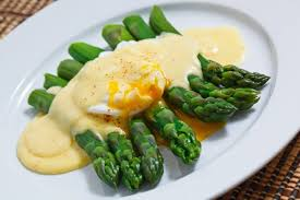 cuisine hollandaise asparagus with a poached egg in hollandaise sauce recipe on closet
