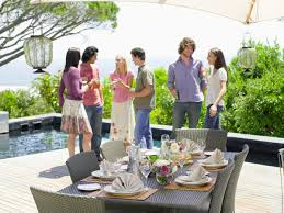 creating inviting outdoor spaces for entertaining homelife magazine