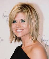 putting layers in shoulder length hair layered hairstyles for shoulder length hair haircut pinterest