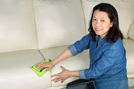 entretien canapé cuir blanc comment nettoyer un canapé en cuir blanc cdiscount