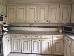 what paint to use on oak cabinets you you want to paint your oak cabinets the