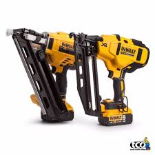 Battery Roofing Nailer by Dewalt Dcn660 Dcn692 Framing Finishing Nailer Twin Pack Kit