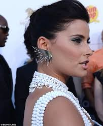 dramatic earrings billboard awards 2012 dons a pair of 5 000