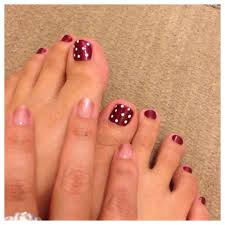 pedicure polka dot nail art a la minnie mouse love and gel