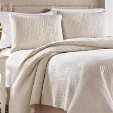 What Is The Difference Between A Coverlet And A Comforter Bedding Croscill