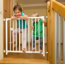 treppen kindersicherung und schutz vor gefahren im haushalt