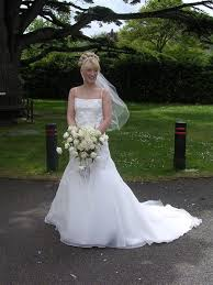 buy used wedding dresses second hand wedding dresses through