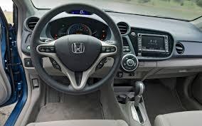 Honda Insight Hybrid Interior 2010 Honda Insight Vs 2010 Toyota Prius Motor Trend