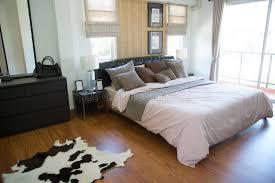lit chambre intérieur de la pièce moderne ou de la pièce de lit chambre à
