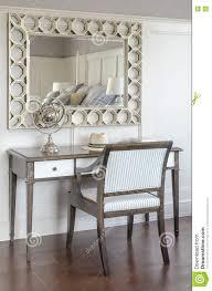 coiffeuse chambre coiffeuse dans l intérieur de luxe de chambre à coucher avec la