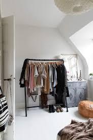 porte v黎ements chambre porte vêtement penderie et armoire grillagée les rangements petit