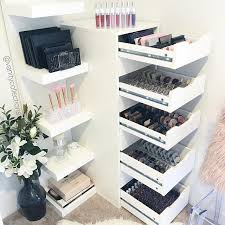 Organizing Makeup Vanity Best 25 Makeup Storage Ideas On Pinterest Makeup Organization
