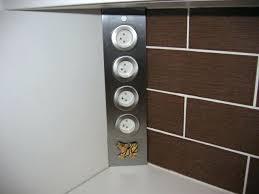 prise angle cuisine multiprise d angle cuisine arrivace du radiateur dans la cuisine et