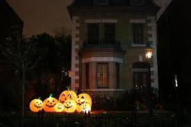 homes decorated for halloween toronto homes embrace the halloween spirit the star