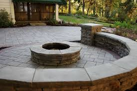 Unilock Retaining Wall Unilock Richcliff Paver Patio With Rivercrest Sitting Wall Fire