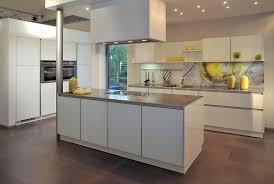 moderne kche mit kochinsel und theke moderne kochinsel in der küche 71 perfekte design ideen küche