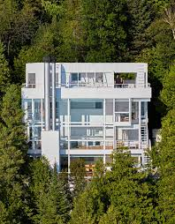 building a home in michigan richard meier u0027s douglas house in michigan receives historical