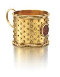 A Fabergé miniature gold tea glass holder, workmaster Erik Kollin ... - 068D08118_6D68V.jpg.thumb.385.385