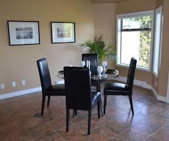maison interieur bois images gratuites table bois intérieur maison chalet
