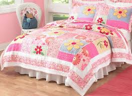 Girls Quilted Bedding by 57 Best Quilt Images On Pinterest Crafts Girls Quilts And Baby